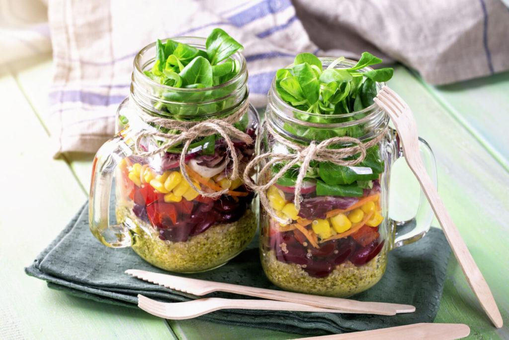 Meal-Prep-Anleitung-gut-verpackt-in-gläser-to-go