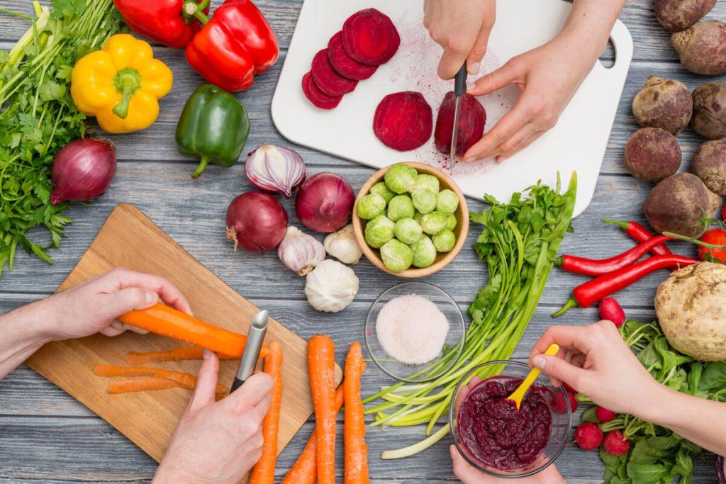 Rezepte-vorkochen-mit-Meal-Prep-spart-Zeit-vorteile-Überblick