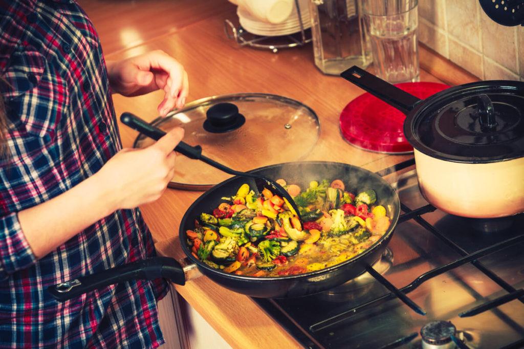 Rezepte-vorkochen-mit- Meal-Prep-warum ist-Vorkochen-gerade-jetzt-so-aktuell