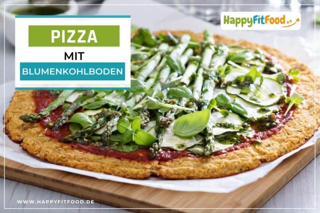 Blumenkohl Pizzaboden Blumenkohlteig Low Carb belegt mit Blattspinat und Spargel