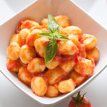 Gnocchi-mit-Tomatensauce-Kinderrezepte-One-Pot-All-in-One-mit-und-ohne-Thermomix