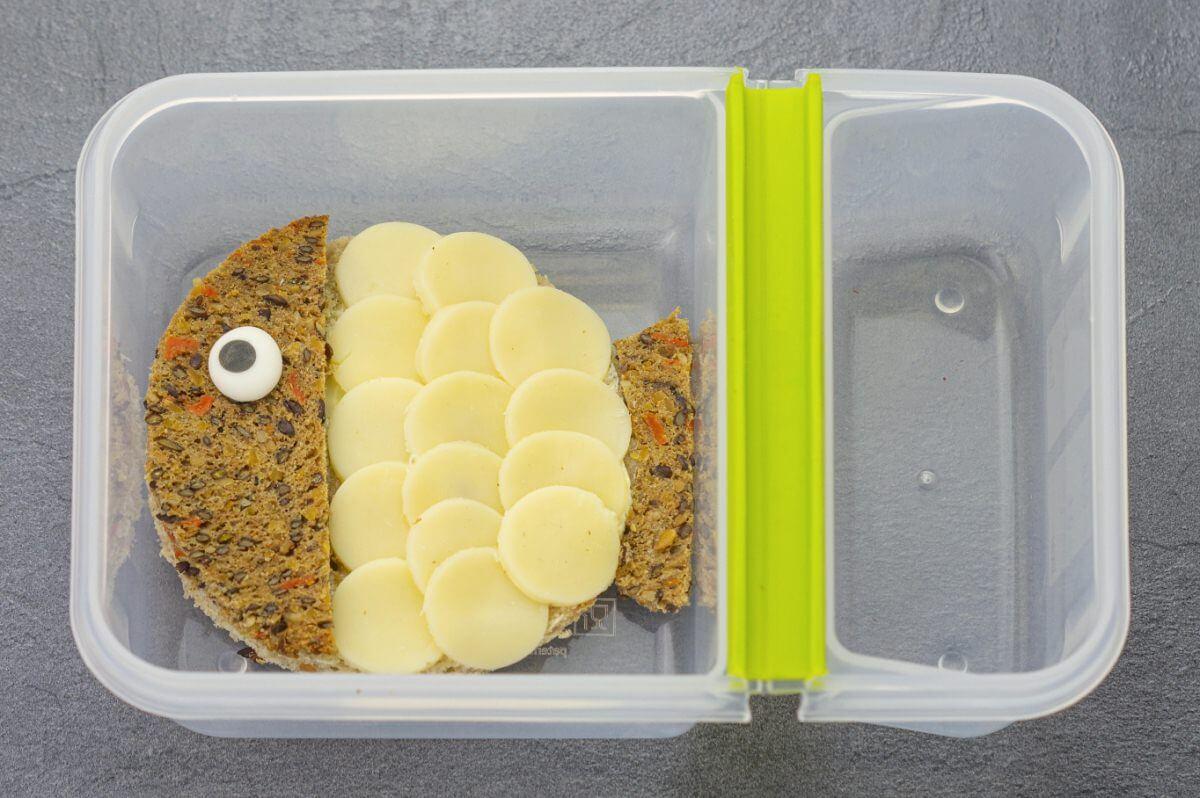 Happy-Lunchbox-Pausenbrot-Kinder-Kugelfisch-Käsebrot