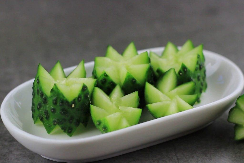 Gurken schneiden Gurkenblumen essbare Deko für Kinder Brotdose oder Partybuffet