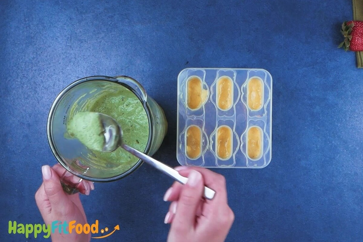 Eis am Stiel ohne Zucker grüne Regenbogen Schicht zubereiten und einfüllen