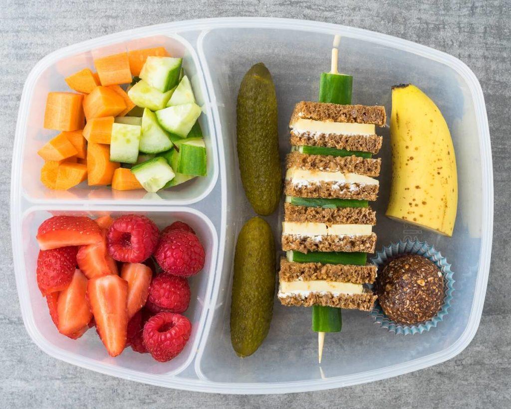 Pausenbrot anders angerichtet als Brospiess in der Lunchbox