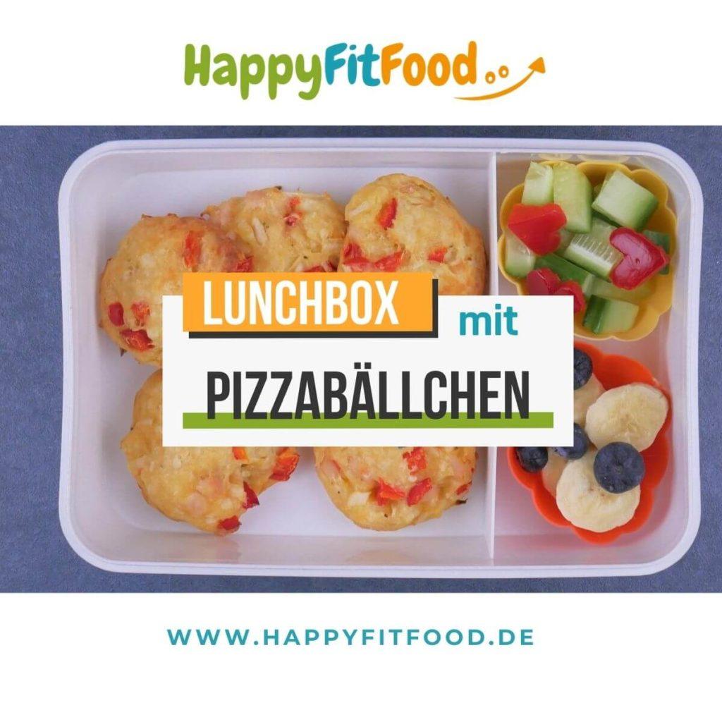 Lunchbox mit Pizzabällchen, Knabber Gemüse und Obst für Kinder oder Essen zum Mitnehmen für die Arbeit