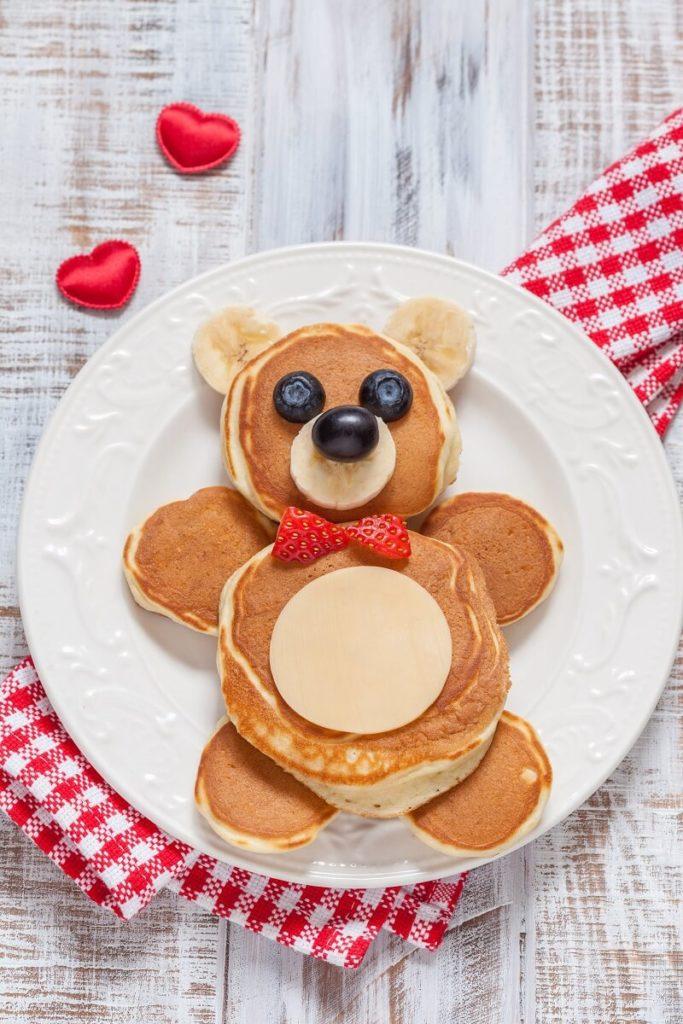 Pfannkuchen Bärchen gesunde Pancakes für Kinder mit Obst