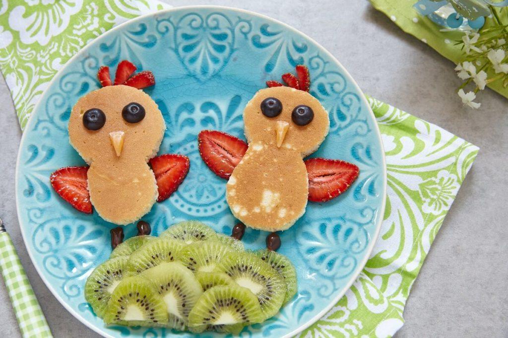 Pfannkuchen Kücken Rezept für Kinder mit essbarer Deko